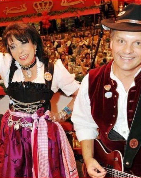 Regine Sixt und SIMMISAMMA die Oktoberfestband