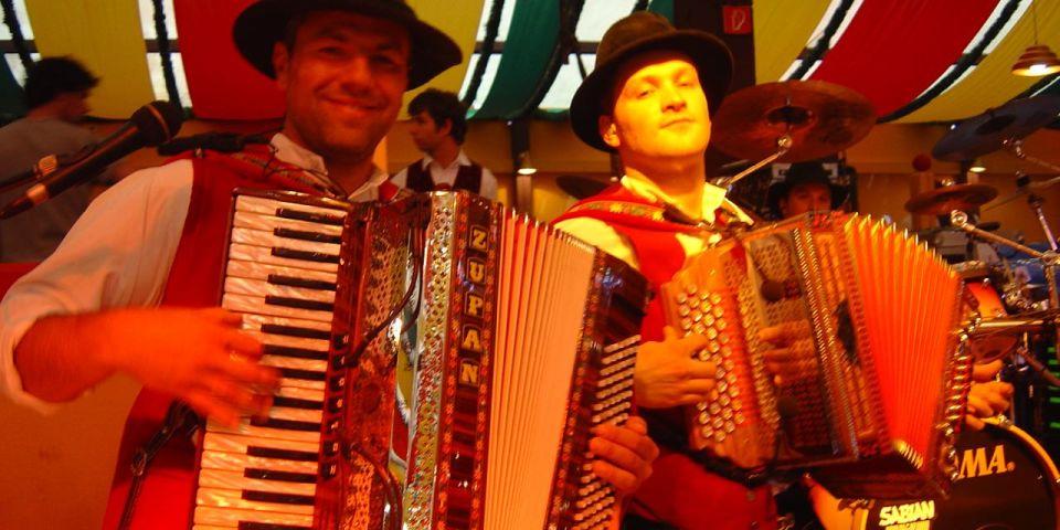 SIMMISAMMA die Oktoberfestband live auf dem Münchner Oktoberfest – 14