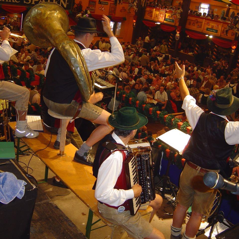 SIMMISAMMA die Oktoberfestband live auf dem Münchner Oktoberfest – 31