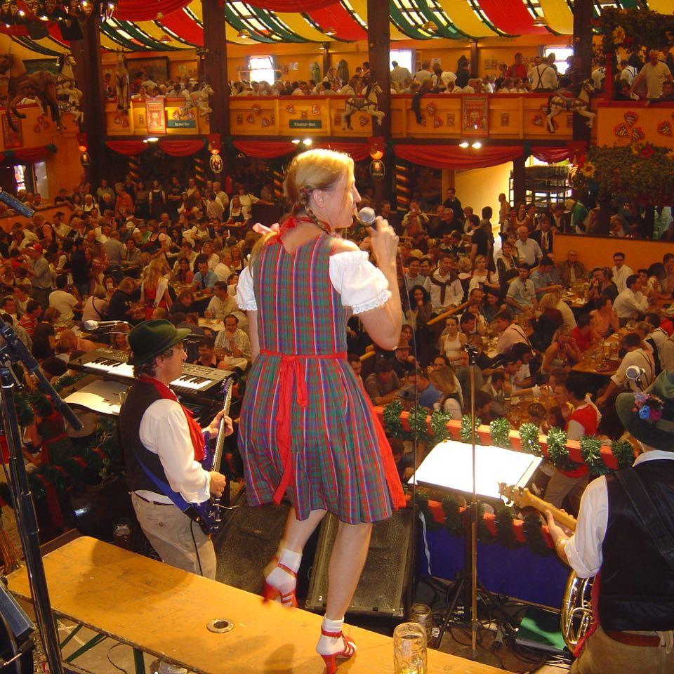 SIMMISAMMA die Oktoberfestband live auf dem Münchner Oktoberfest – 33