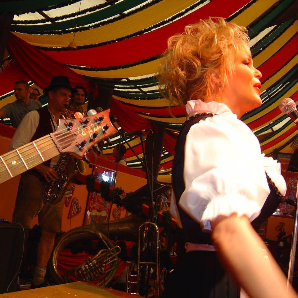 SIMMISAMMA die Oktoberfestband live auf dem Münchner Oktoberfest – 45