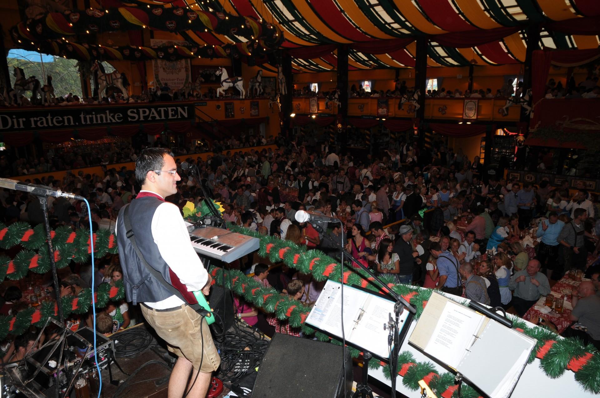 Simmisamma die Oktoberfestband – Konzert Hippodrom Oktoberfest München Deutschland 01