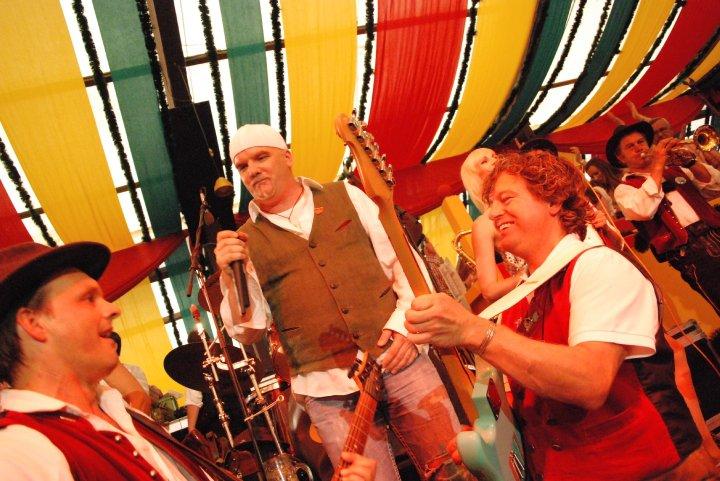 Simmisamma die Oktoberfestband – Konzert Hippodrom Oktoberfest München Deutschland 05