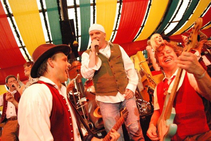 Simmisamma die Oktoberfestband – Konzert Hippodrom Oktoberfest München Deutschland 06