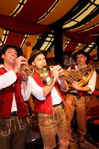 Simmisamma die Oktoberfestband – Konzert Hippodrom Oktoberfest München Deutschland 33