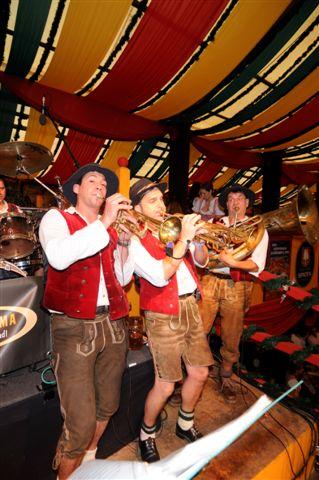 Simmisamma die Oktoberfestband – Konzert Hippodrom Oktoberfest München Deutschland 35