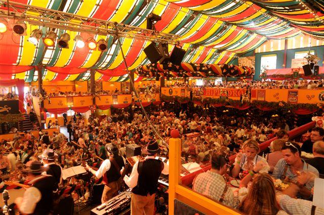 Simmisamma die Oktoberfestband – Konzert Hippodrom Oktoberfest München Deutschland 40