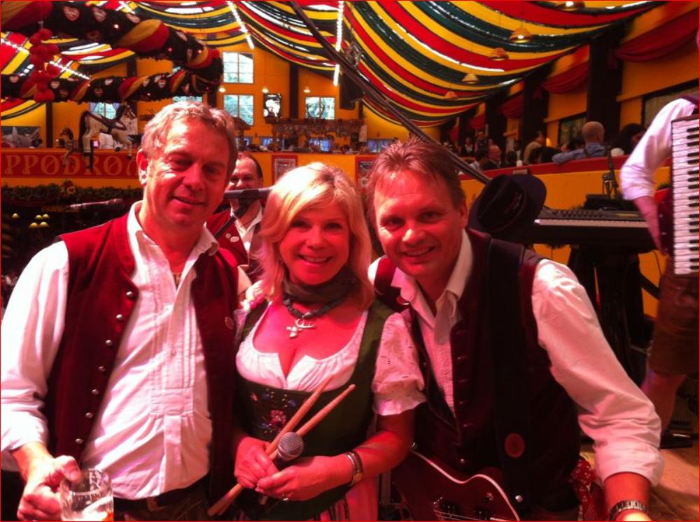 Simmisamma die Oktoberfestband – Konzert Hippodrom Oktoberfest München Deutschland 58