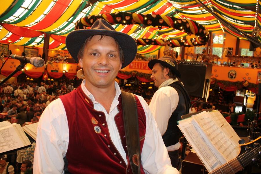 Simmisamma die Oktoberfestband – Konzert Hippodrom Oktoberfest München Deutschland 63