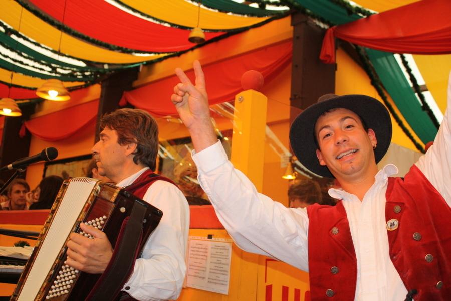 Simmisamma die Oktoberfestband – Konzert Hippodrom Oktoberfest München Deutschland 64