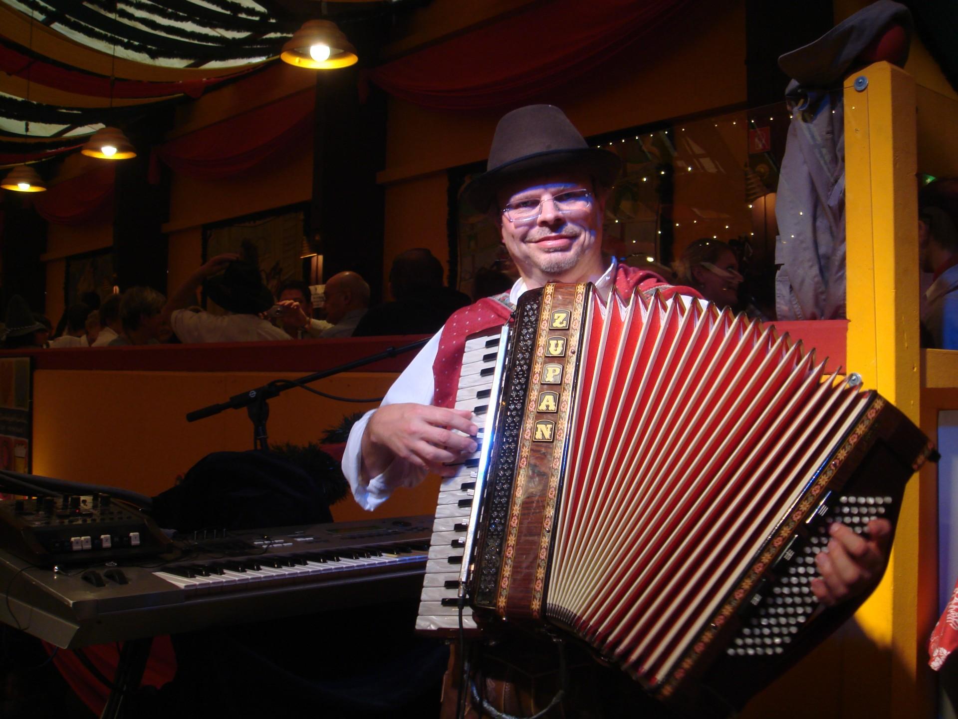 Simmisamma die Oktoberfestband – Konzert Hippodrom Oktoberfest München Deutschland 68