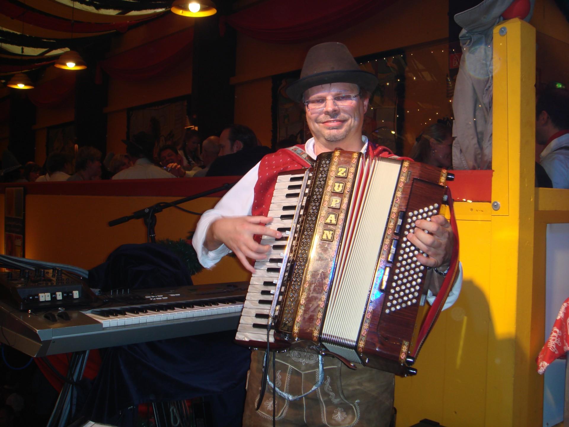 Simmisamma die Oktoberfestband – Konzert Hippodrom Oktoberfest München Deutschland 69