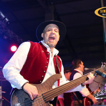 2015-02-06-simmisamma-dirndl-lederhosnfest-schoenram-15