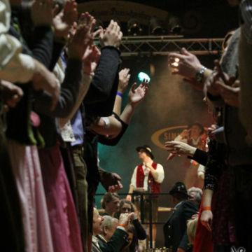 2015-02-06-simmisamma-dirndl-lederhosnfest-schoenram-22