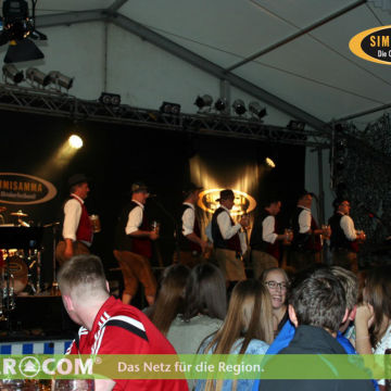 2016-06-11-simmisamma-tavernenfest-preying-1