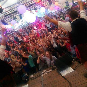 SIMMISAMMA-die-Oktoberfestband-live-in-Werlte-056